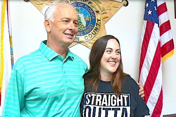 addiction recovery ebulletin local sheriff helps woman