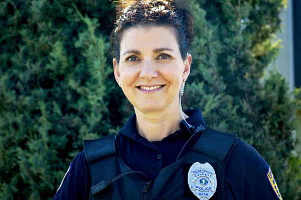 addiction recovery ebulletin police help drug user