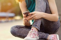 addiction recovery ebulletin social media harmful