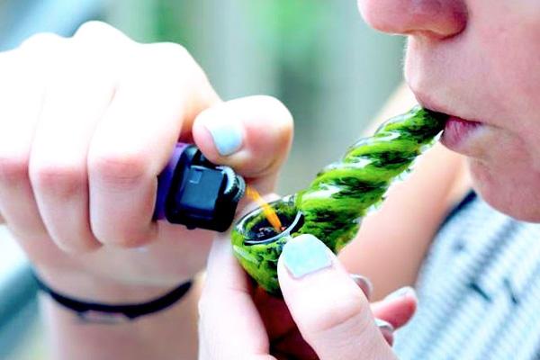 addiction recovery ebulletin family pot use